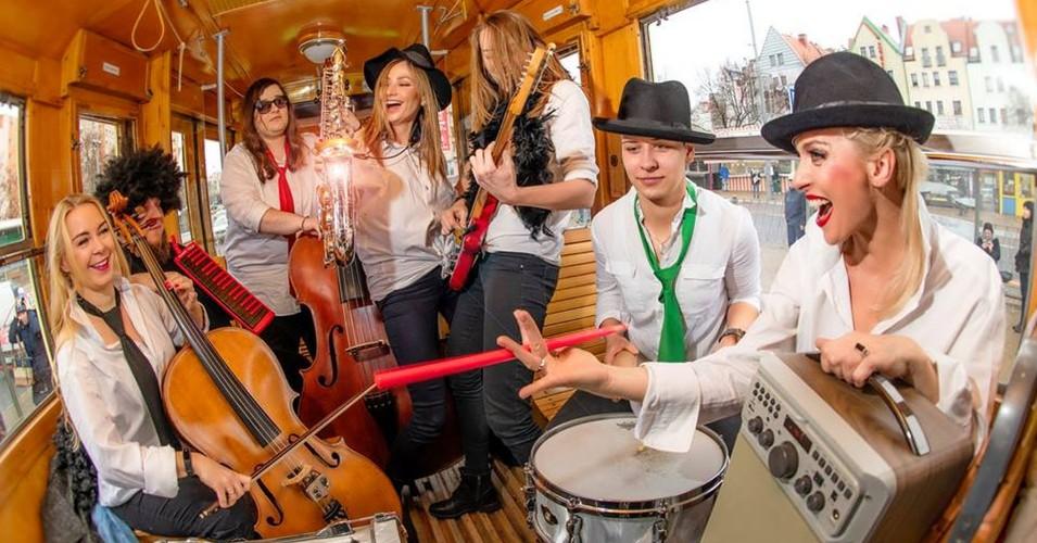 FeelHormones Band Sylwia Różycka, Krzysztof Baranowski oraz zespół